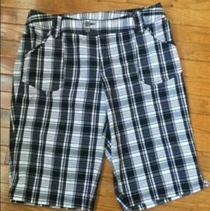 Lane Bryant Venezia plaid Bermuda shorts size 20